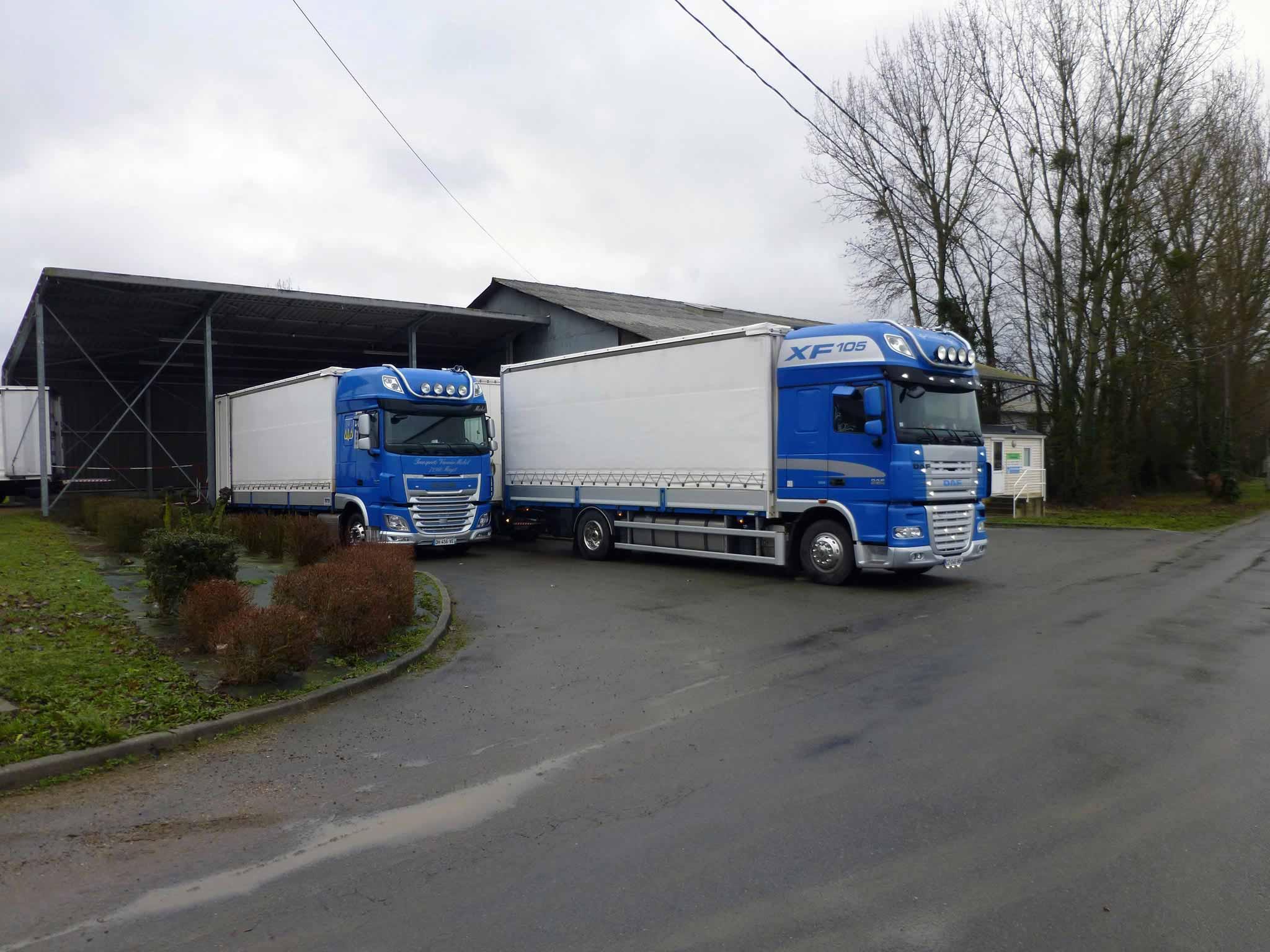 11-porteur-et-ensemble-a-quai-Transports-Vannier1